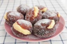 Bolas de fraile. Una de las receta argentinas más famosas, y desde luego una de las facturas que más me gusta http://www.recetasderechupete.com/bolas-de-fraile-receta-argentina/16196/ ¿Las habéis probado alguna vez?
