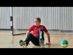 Film: Nichts für Couch Potatoes! Die #Handballjugend des #VFR Eintracht #Wiesbaden. Mannschaftssport unter Kindern und Jugendlichen ist eine konkrete Alternative zu TV und Computerspielen. Sport ist gesund, fördert das soziale Miteinander, stärkt das Selbstbewusstsein und hilft den jungen Menschen Sieg und Niederlage zu erleben, ohne in Depressionen oder Selbstzweifel zu verfallen. herbstundherbst.tv möchte mit diesem Film Kinder und Eltern für den #Handballsport begeistern.