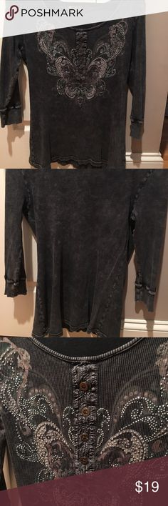 Heathered charcoal sequined top L with 3/4 sleeve Heathered charcoal sequined top. Tag says 1X but wears like loose L or very fitted XL. Worn once from smoke free home. Looks brand new! Madewell Tops Tees - Short Sleeve