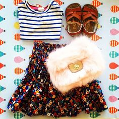A perfect combo for junior hipsters. Tshirt sandals skirt and bag H&m Kids, Hipsters, Fashion Forward, Have Fun, Kids Fashion, Skirt, Sandals, Bags, Hipster