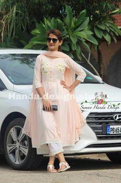Order contact my whatsapp number 7874133176 Frock Fashion, Fashion Pants, Fashion Dresses, Punjabi Dress, Anarkali Dress, Punjabi Suits, Kurta Designs, Blouse Designs, Indian Dresses