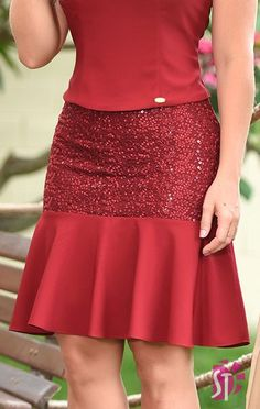 Womens Fashion - Women Skirts That Always Look Fantastic outfits fashion casualstyle look African Lace Dresses, Latest African Fashion Dresses, Skirt Outfits, Chic Outfits, Fashion Outfits, Womens Fashion, Elegant Outfit, Classy Dress, Designer Dresses
