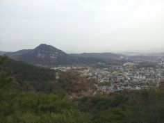 한양도성의 내사산 중 서울을 한눈에 볼 수 있는 곳이지요.