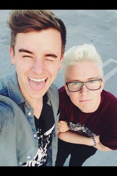 """""""We need to take advantage of this perfect selfie lighting!!"""" -me and @tyleroakley. CF"""