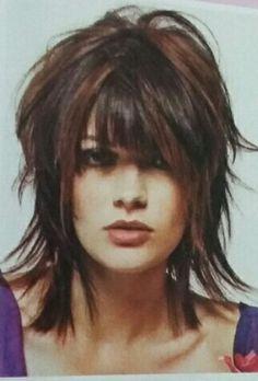 Short shag # Haircut Ideas shoulder length – Hair is art Medium Layered Hair, Short Hair With Layers, Medium Hair Cuts, Short Hair Cuts, Medium Hair Styles, Long Hair Styles, Medium Shag Hairstyles, Short Shaggy Haircuts, Pelo Color Vino