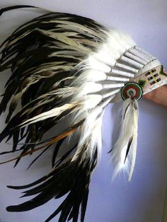 Stunning Indian Feather headdress: White and Natural color