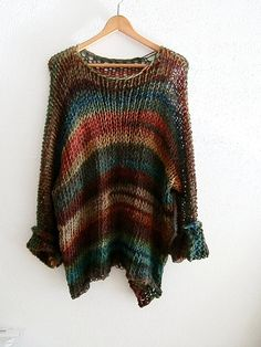 Knitted multicolor sweater with long sleeves, oversized pull and slouchy for a more comfy look. Made by soft wool that feels like a feather against the skin. Not itchy at all! 53 %wool acrylic SELECT YOUR COMBINATION COLOR Loose Knit Sweaters, Hand Knitted Sweaters, Long Sweaters, Cotton Sweater, Crochet Woman, Knit Crochet, Pullover Upcycling, Handgestrickte Pullover, Big Knits