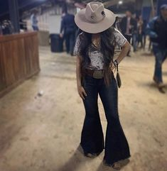 Keep on Truckin' ~ Denim Frayed Bell Bottom Jeans ~ Black Denim – Lil Bee's Bohemian Country Girl Outfits, Cute Cowgirl Outfits, Southern Outfits, Rodeo Outfits, Outfits With Hats, Cute Outfits, Southern Clothing, Western Outfits Women, Country Fashion