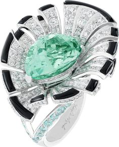 Van Cleef & Arpels ring with a stunning Paraiba tourmaline, onyx and diamonds
