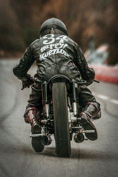 "bigleggedwomanthings: "" Glemseck 101 Biker Brice Canayer — com Brice Canayer emGlemseck "" Vintage Bikes, Vintage Motorcycles, Custom Motorcycles, Custom Bikes, Harley Davidson Chopper, Harley Davidson Street, Harley Davidson News, Drag Bike"