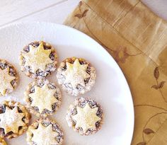 23 Classic British Dishes To Keep You Warm Through The Long, Dark Winter is part of Mince pie recipe - The nation of comfort foods Whoever said Britain doesn't have good cuisine has obviously never read this list Easy Mince Pies, Fruit Mince Pies, Mince Pies Recipe, Homemade Mince Pies, Mince Meat, Xmas Food, Christmas Cooking, Christmas Mince Pies, Cake