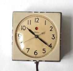 vintage 1940's telechron wall clock kitchen by RecycleBuyVintage, $125.00 #artdeco