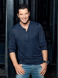 Male Beauty, Celebrity Pictures, My Love, Celebrities, Mens Tops, T Shirt, Outfits, Freeze, Singers