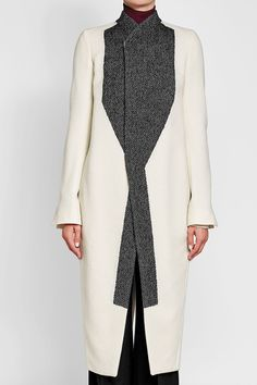 A Complete Guide to Choosing The Perfect Coat That Complements Your Taste This Season - Best Fashion Tips Rick Owens Women, Coats For Women, Clothes For Women, Stylish Coat, Coat Sale, Other Outfits, Wool Coat, Autumn Fashion, Women Wear