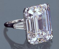 51.85 carats-diamond ring Sold in 2000 upon the death of H.H. Begum Om Habibeh Aga Khan