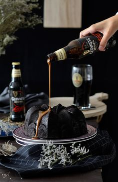 El 24 de septiembre (el próximo sábado) será el 257 aniversario de una de mis cervezas favoritas, la Guinness. Una cerveza negra, con un s...