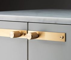 Modern bathroom cabinets - 7 Places to Shop for Modern, Minimal Cabinet Hardware – Modern bathroom cabinets Brass Cabinet Hardware, Kitchen Hardware, Bathroom Hardware, Kitchen Fixtures, Cabinet Handles, Hardware For Cabinets, Kitchen Pulls, Kitchen Handles, Bathroom Faucets