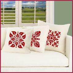 I Love these Hawaiian quilt stenciled pillows.