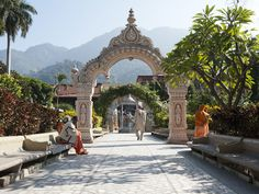 RISHIKESH, INDIA  nice article about the area from NatGeo