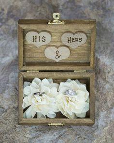 Rustic his + her ring box idea - wooden box {Cadey Reisner Weddings}
