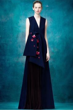 Delpozo Pre-Fall 2017 Collection - Navy evening gown. Would LOVE to see this on the red carpet! xo