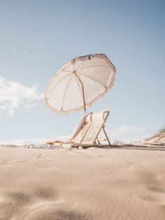 Premium Beach Umbrella Luxe Picnic Seaside Essentials Land and sand essentials Beach Aesthetic, Summer Aesthetic, The Beach, Beach Day, Sand Beach, Ocean Beach, Summer Beach, Summer Feeling, Summer Vibes