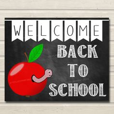 Welcome Back to School Sign, Classroom Decor, Apple School Decor, School Poster Classroom Decorations, Back to School Chalkboard School Sign - Schulanfang Cute Classroom Decorations, School Door Decorations, School Board Decoration, Apple School, Back To School Bulletin Boards, Preschool Bulletin Boards, Apple Bulletin Board Ideas, Welcome Back Boards, School Welcome Bulletin Boards