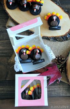 Check out this Oreo Turkey (with step-by-step pictorial) and get ready for Thanksgiving!
