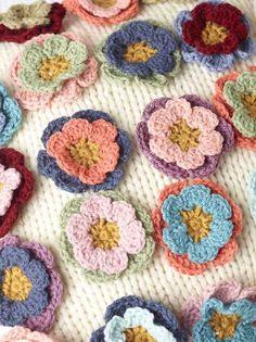 Marvel flowers, free pattern by Spotlight Australia, thanks so xox
