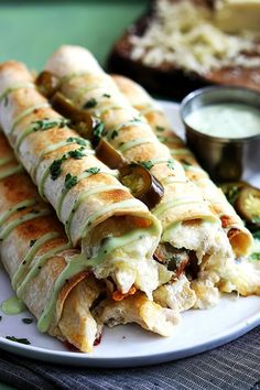 Slow Cooker Jalapeno Popper Chicken Taquitos from Creme de la Crumb sound amazing for a tasty dinner idea from the slow cooker! [featured on Slow Cooker or Pressure Cooker] Slow Cooker Recipes, Crockpot Recipes, Chicken Recipes, Cooking Recipes, Healthy Recipes, Chicken Ideas, Skinny Recipes, Healthy Meals, I Love Food