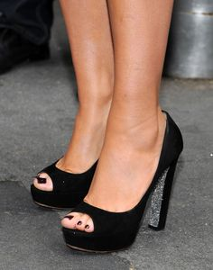 "Mariah Carey Shoes | Mariah Carey Mariah Carey (shoe detail) attends the ""American Idol ..."