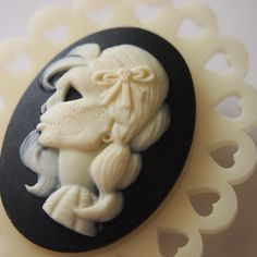 skull cameo. Love this one