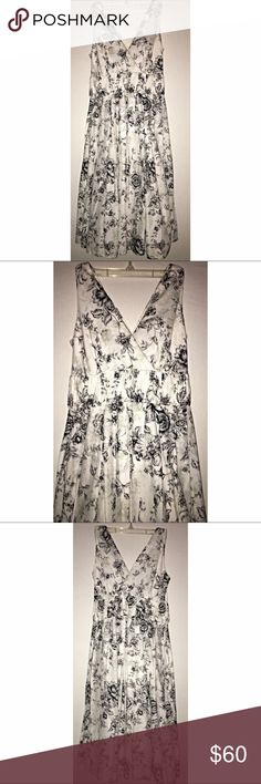 VAN HUESEN BLACK WHITE FLORAL FLOWY LINED SLEEVELESS DRESS Van Heusen Dresses