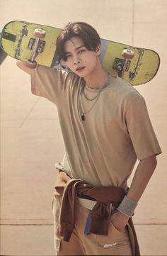 "johnny pics¹²⁷ on Twitter: ""[SCAN] Hello Seoul Photobook ©️ marederam  #쟈니 #JOHNNY #NCT127… """