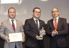 Mejor Empresa Joven: Comercial Ulsa. Ignacio y Javier Gómez Salamanca, gerentes de Comercial Ulsa; y Pedro Pisonero, director general de Iberaval.