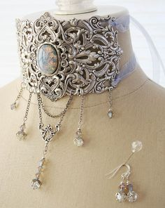 Victorian style choker. Oh I want; not that I have somewhere to wear it.