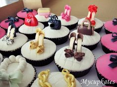 MyCupKates - Cakes, Cupcakes & Cookies: Shoes & bags Cupcakes # 1