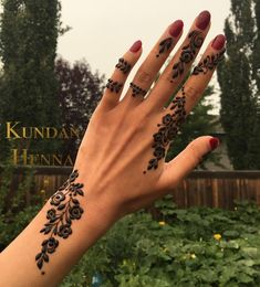 henna designs design Edmonton is experiencing some nasty air quality due to fires. Look at that creepy yellow sky . Henna Designs Arm, Eid Mehndi Designs, Mehndi Designs Finger, Modern Henna Designs, Henna Tattoo Designs Simple, Mehndi Design Photos, Mehndi Designs For Fingers, Beautiful Henna Designs, Henna Tattoo Hand