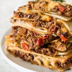 Quesadillas Sheet Pan Quesadilla recipe l Whisk It Real Gud-Sheet pan cheesy beef quesadillas are baked in one big batch in the oven instead of cooking them one by one on the stove. These baking sheet quesadilla. Good Meatloaf Recipe, Best Meatloaf, Meatloaf Recipes, Turkey Meatloaf, Enchiladas, Ground Beef Quesadillas, Recipe Sheets, Quesadilla Recipes, Baked Quesadilla