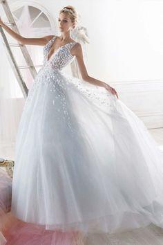 Vestido de Noiva de Nicole (NIAB18092), corte princesa, decote em v, longo, sem mangas