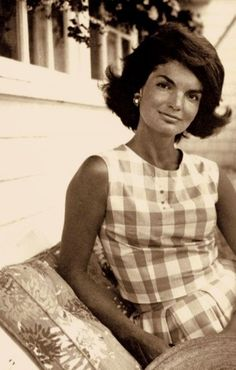 Jackie Kennedy -  http://classiquecom.canalblog.com/    http://twitter.com/#!/classiquecom    Famous People  multicityworldtravel.com We cover the world over 220 countries, 26 languages and 120 currencies Hotel and Flight deals.guarantee the best price