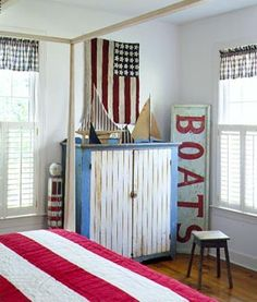 Support the red, white & blue today with 20 Creative Ways to Decorate Americana Style!