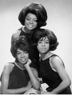 Diana Ross has been serving fierce beauty looks nonstop ever since she debuted with the Supremes in the From her Motown-era bouffant to her love of Sound Of Music, My Music, Auburn, Tudor, Diana Ross Supremes, Pixie, Best Bob Haircuts, Best Bobs, Flapper