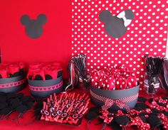 Minnie/Mickey favor table by two parts sugar, via Flickr