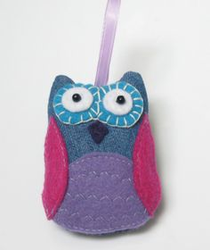 Such a sweet little owl for the Christmas Tree. Love this ornament - adorable!
