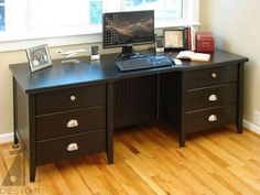 Custom computer office desk by Alan Harp Design.