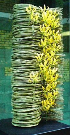 Sucesión continua Daniel Ost Exhibition at Tours&Taxis, Brussels 2015 Creative Flower Arrangements, Ikebana Flower Arrangement, Floral Arrangements, Daniel Ost, Flower Show, Flower Art, Hotel Flowers, Sogetsu Ikebana, Fleur Design