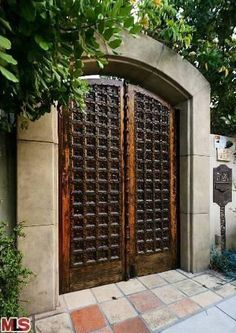 #BryceDallasHoward's Gated Entrance >> http://coolhouses.frontdoor.com/2013/03/04/bryce-dallas-howard-lists-romantic-retreat-in-los-angeles/?soc=pinterest#