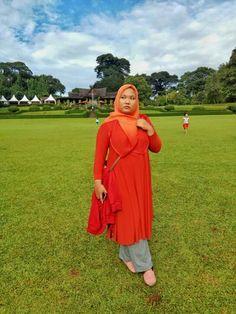 Senior Photography Muslim wear Hijab style Hijab fashion Muslim Muslim fashion