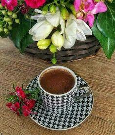 Coffee Can Crafts Coffee Vs Tea, Coffee Is Life, I Love Coffee, Coffee Lovers, Brown Coffee, Sunday Coffee, Good Morning Coffee, Coffee Break, Gd Morning